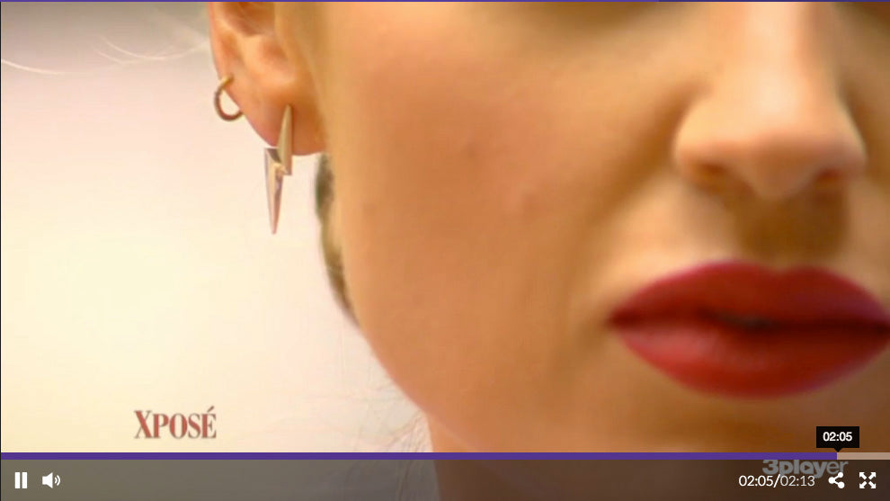 Daniella Moyles Xposé TV3 Edge Only lightning bolt earrings