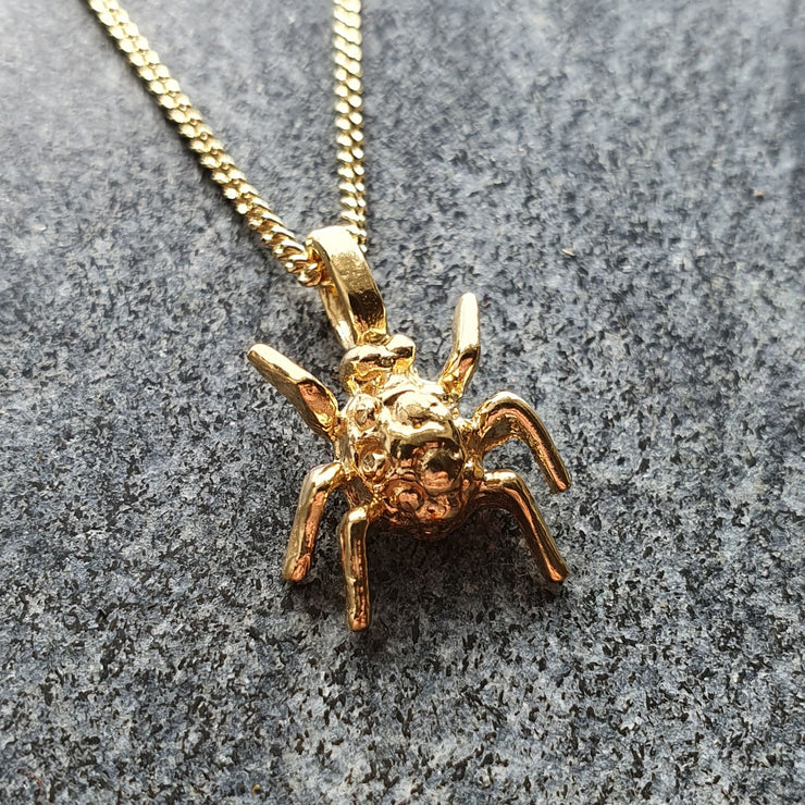 Edge Only Spotted Bug Pendant in 18ct gold vermeil