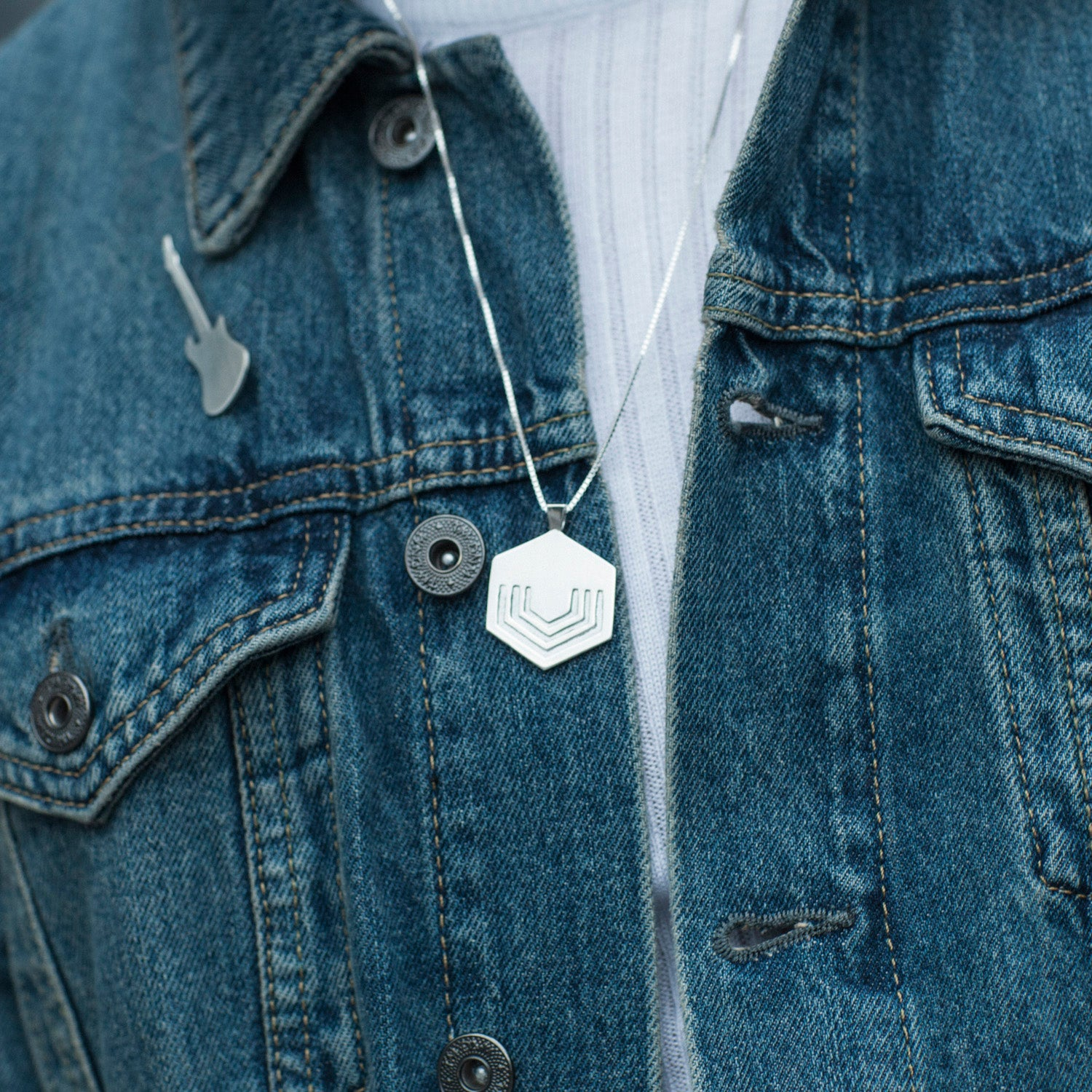 Hexagon Pendant Large in sterling silver EOxLH