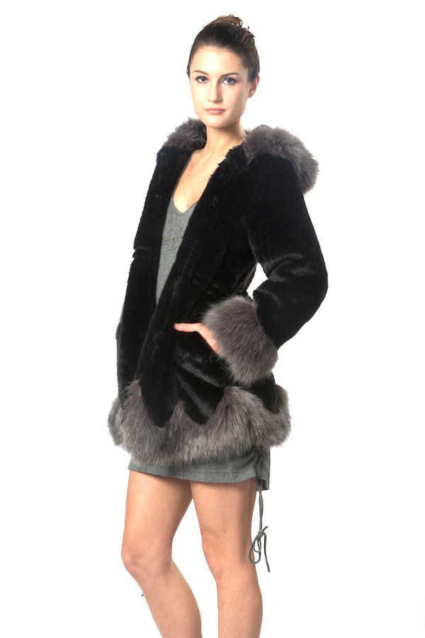 Black and Grey Faux Fur Warm Coat EM18003 wholesale faux fur coat  top fashion faux fur jacket la showroom vendor designer's store top fashion faux fur coat must have list faux fur hoodie faux fur with hat nyfw mlfw ldfw pfw sffw lafw USA brand jacket