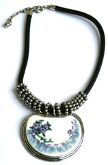 Ellie Mei Stylish Floral Print Stone Plate Pendant . Black Chain  Necklace EM- N1