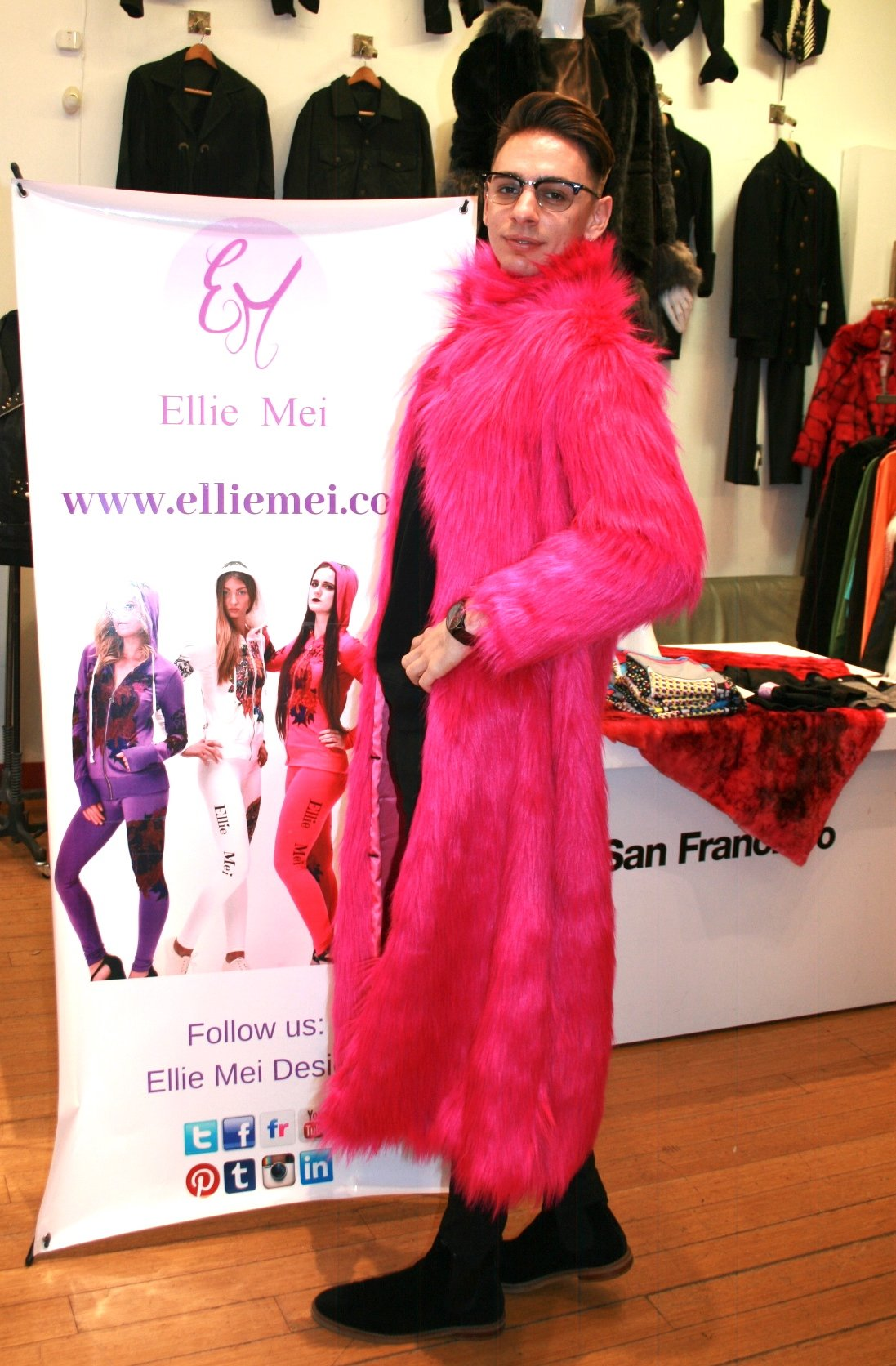 unisex faux fur coat hot pink unisex faux fur coat runway coat fashion show faux fur coat  hot pink faux fur jacket wholesale faux fur coat winter warm coat long body faux fur coat  shopping the runway NYFW MLFW LAFW SFFW PFW LDFW JPFW USA brand designer store designer's shop