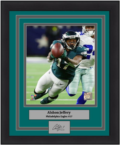 "Alshon Jeffery v. Dallas Cowboys Philadelphia Eagles NFL Football 8"" x 10"" Framed and Matted Photo with Engraved Autograph - Dynasty Sports & Framing"