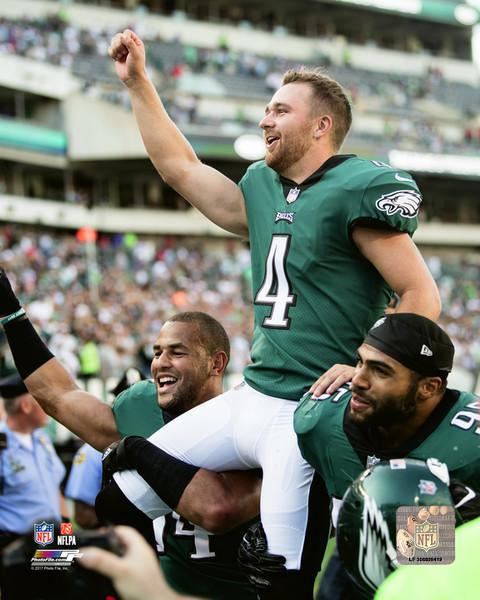 "Jake Elliott 61-Yard Field Goal Celebration Philadelphia Eagles NFL Football 8"" x 10"" Photo"