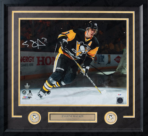 "Evgeni Malkin Spotlight Autographed Pittsburgh Penguins 16"" x 20"" Framed Hockey Photo - Dynasty Sports & Framing"