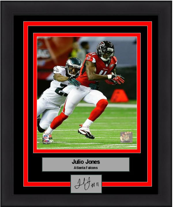 "Atlanta Falcons Julio Jones 8"" x 10"" Framed and Matted Photo with Engraved Signature - Dynasty Sports & Framing"