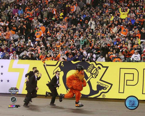 "Gritty Philadelphia Flyers Streaking at the 2019 Stadium Series NHL Hockey 8"" x 10"" Mascot Photo - Dynasty Sports & Framing"