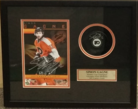 "Simon Gagne Autographed Philadelphia Flyers Puck & Retirement Night Placard 16"" x 14"" Framed Collage - Dynasty Sports & Framing"