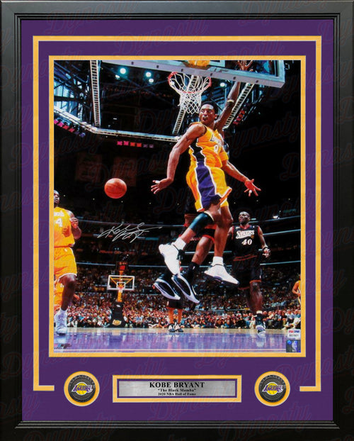 Kobe Bryant Passing to Shaq Autographed Los Angeles Lakers 16x20 Framed Basketball Photo - Dynasty Sports & Framing