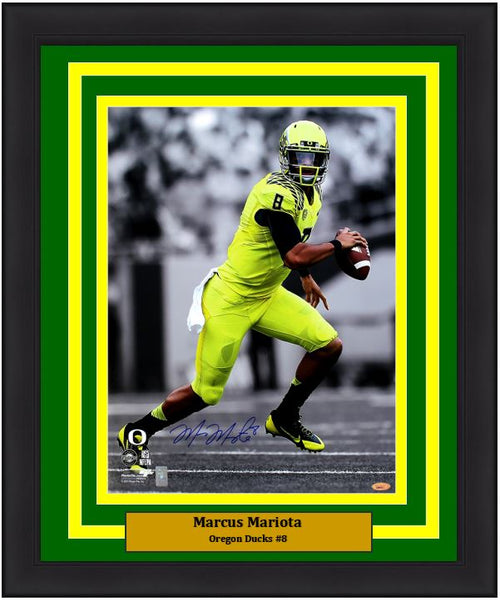 "Marcus Mariota Oregon Ducks Autographed NCAA College Football 16"" x 20"" Framed and Matted Spotlight Photo"