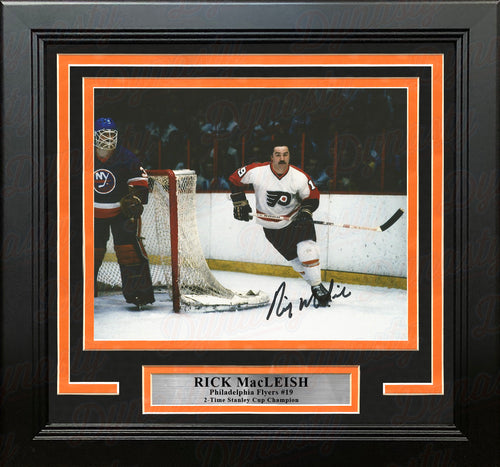 "Rick MacLeish in Action Philadelphia Flyers Autographed 8"" x 10"" Framed Hockey Photo - Dynasty Sports & Framing"