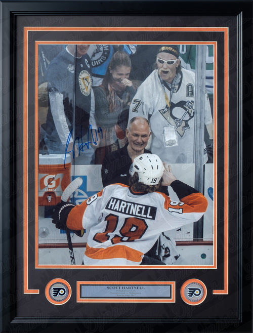 Philadelphia Flyers Scott Hartnell Hulk Hogan Pose Autographed NHL Hockey Framed and Matted Photo