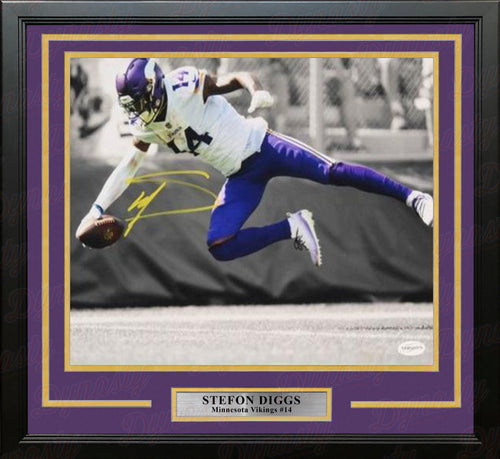 "Stefon Diggs Minnesota Vikings Diving Catch Autographed 11"" x 14"" Framed Football Photo - Dynasty Sports & Framing"