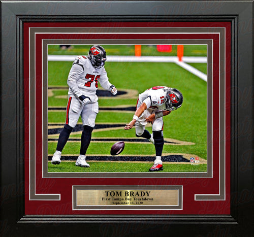 "Tom Brady First Tampa Bay Buccaneers Touchdown 8"" x 10"" Framed Football Photo - Dynasty Sports & Framing"