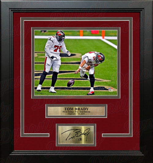 "Tom Brady First Tampa Bay Buccaneers Touchdown 8"" x 10"" Framed Football Photo with Engraved Autograph - Dynasty Sports & Framing"
