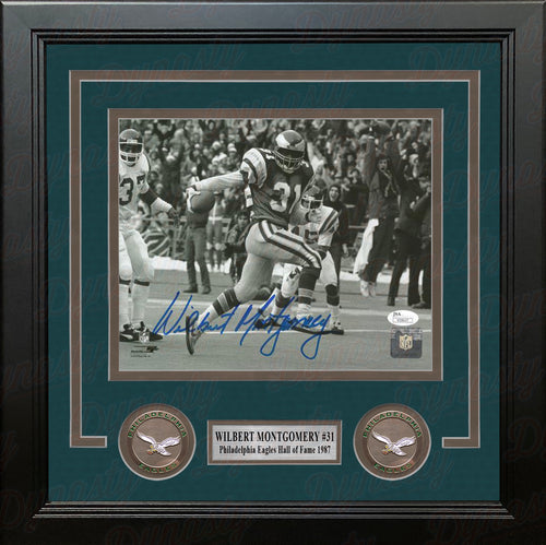 Wilbert Montgomery Vintage Black & White Philadelphia Eagles Autographed 8x10 Framed Football Photo - Dynasty Sports & Framing