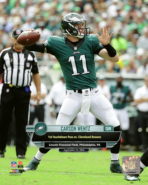 "Carson Wentz First Career Touchdown Pass Philadelphia Eagles NFL Football 8"" x 10"" Photo"