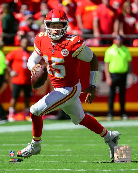"Patrick Mahomes in Action Kansas City Chiefs NFL Football 8"" x 10"" Photo - Dynasty Sports & Framing"
