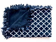 Black & White Quatrefoil Small Blanket