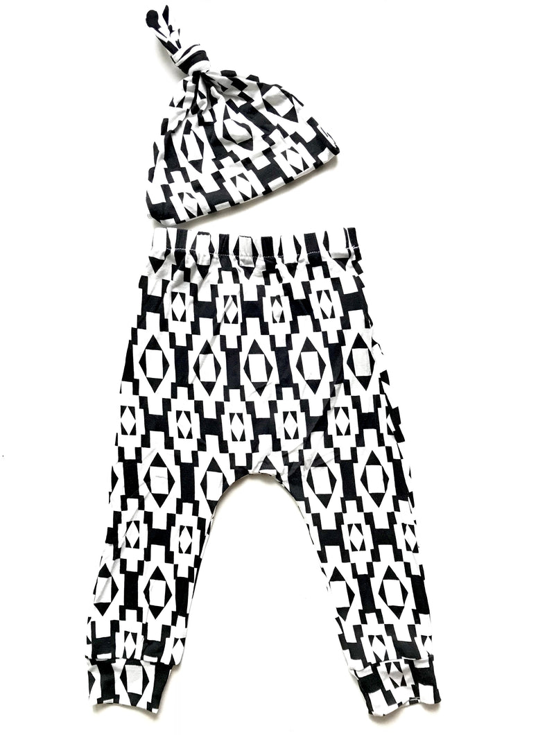 Black/White Baby Harem Pants & Knot Hat Set