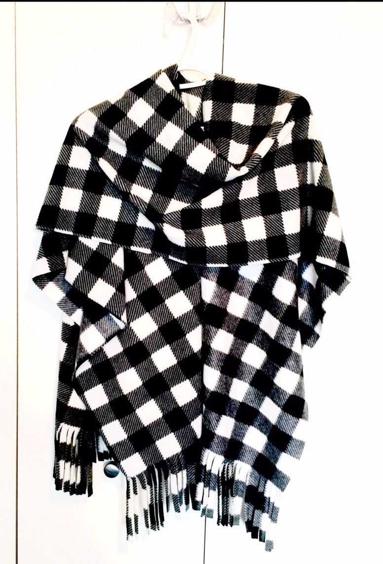 White Buffalo Check Ladies Wrap