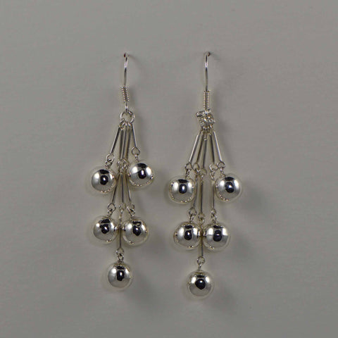 5 bola dangling earrings