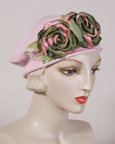 0515SBC Small Beret, pale pink with olive