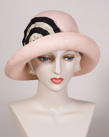 0558CWPA Cloche, Panama straw, blush with black & cream