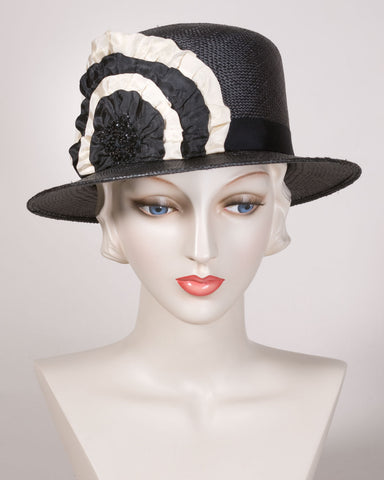 0558SHPA Shepherdess, Panama straw, black with cream