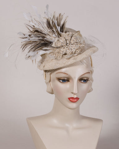 05p16 Doll Hat, open weave straw, tea