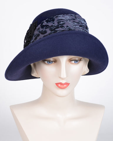 0612CLV Cloche, velour, navy with black