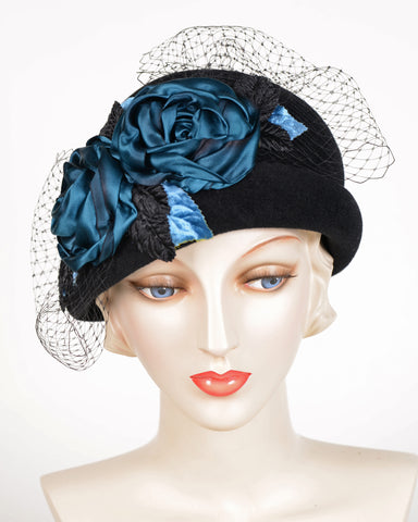 0639CCV 20's Cloche, velour, black with blues
