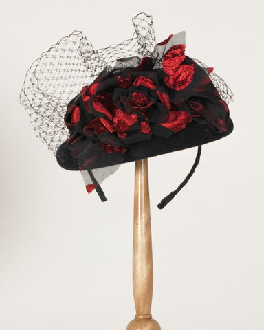 2012DHV Doll hat, black with red