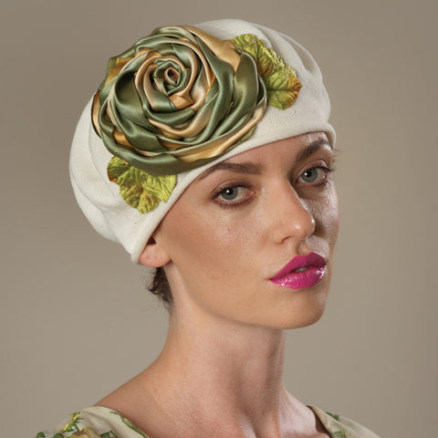 5182SBC Small Cotton Beret, ivory with olive