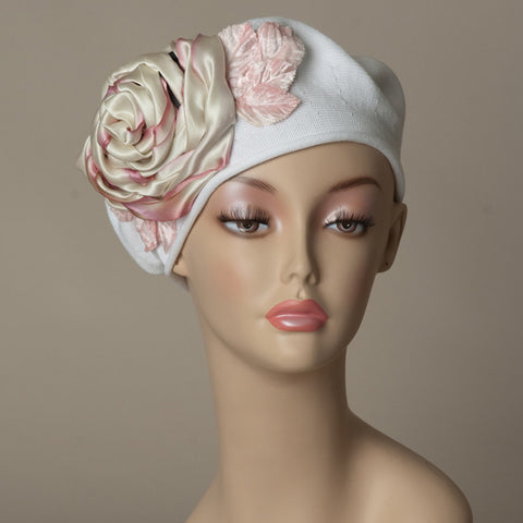 5182SBC Small Cotton Beret, white with pale rose