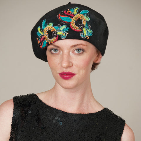 6208BEF Felt Beret, black with multi
