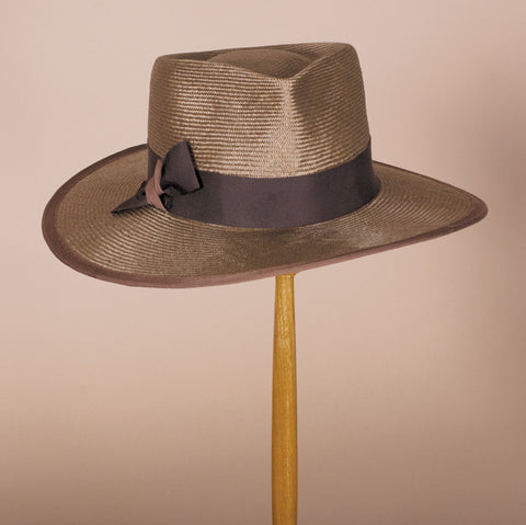 "7315WNSI Wayne with a 3.5"" brim, vintage gold"