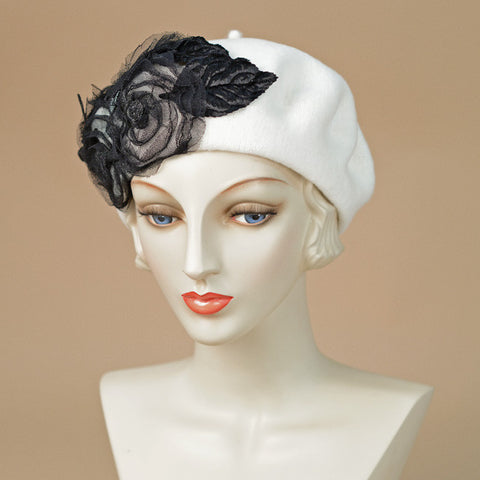 8320SBF Small Beret, white w/black