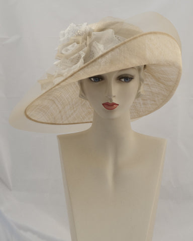 0932VGSP Virginia, Parisisal crown/sinamay brim, champagne