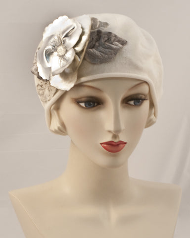 0951SBC Small Beret, ivory with silver
