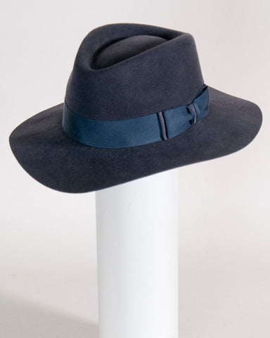 "F0370 David, sueded finish felt, navy 3"" brim, Headsize 23 1/4"""