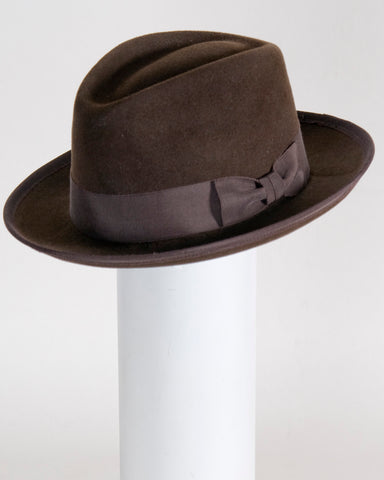 "F0371 David, sueded finish felt, Dark brown  2 1/4"" snap brim, Headsize 23"""