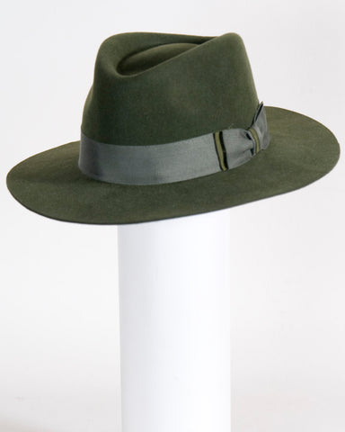 "F0373 David, sueded finish felt, olive, 2 3/4"" brim, Headsize 23 1/4"""