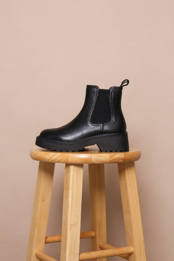 Steve Madden Trap Chelsea Boots