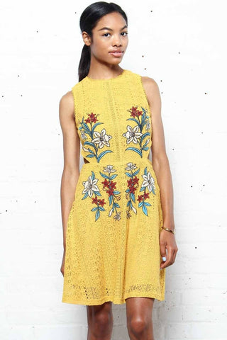 JOA Dayton Embroiderd Lace Dress