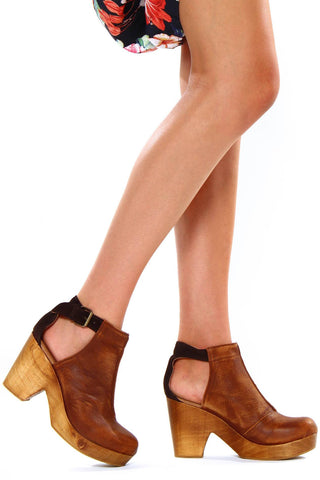Free People Amber Orchard Clog - Brown