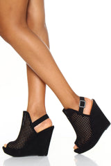 Magnolia Perforated Wedge
