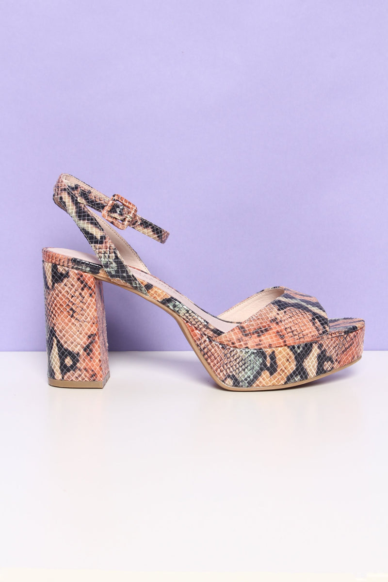 3d0846915be Chinese Laundry Theresa Platform Heels – Calico