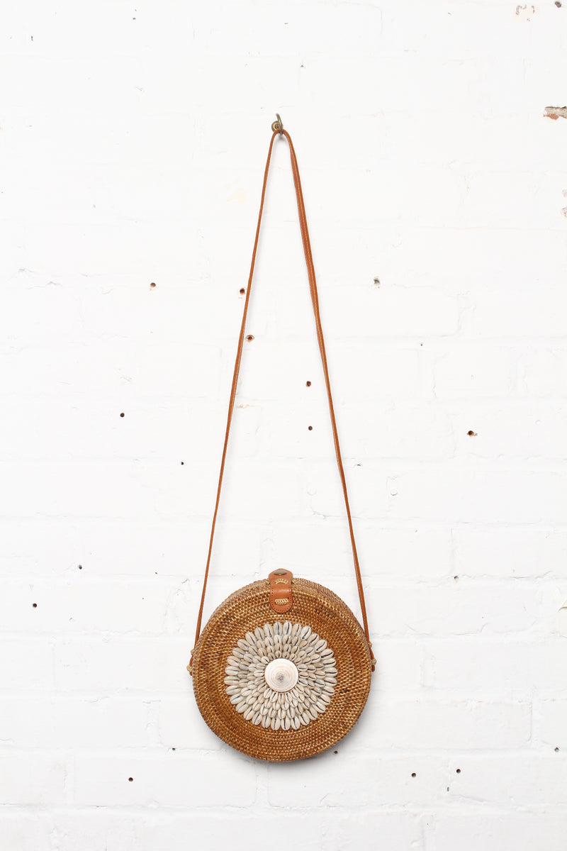 Shell It Out Woven Circle Crossbody