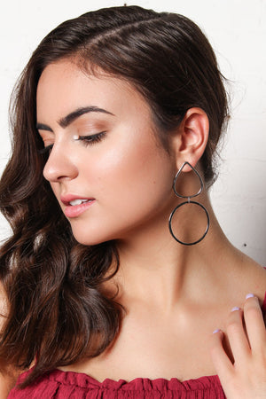 Drop Out Linked Circle Earrings - Silver